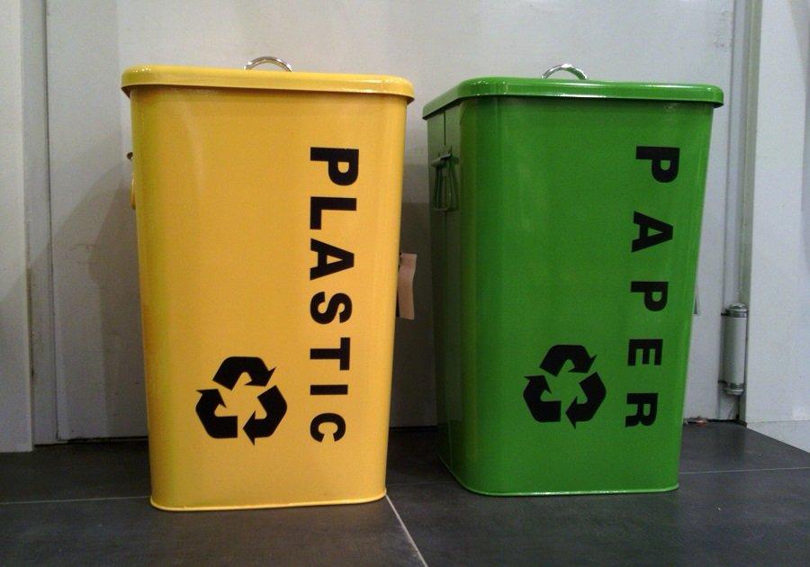 Siete de cada diez españoles separan sus residuos plásticos en el hogar