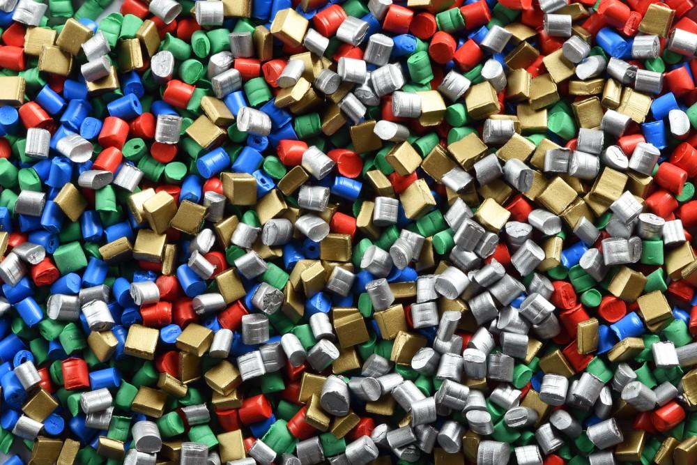 La escasez de materias primas plásticas